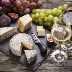 Quesos y cata de vinos